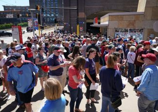 No backpacks at Target Field: Twins' new bag policy in effect – Star Tribune